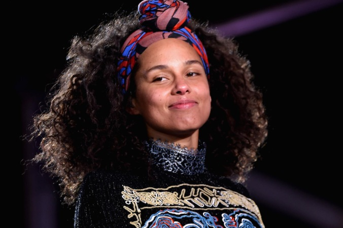 "Alicia Keys Celebrates Upcoming New Album ""HERE"" With Special Show in Times Square"
